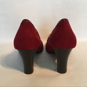 AEROSOLES Shoes - Suede Aerosole Mary Janes - great condition!